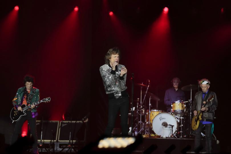 снимка 5 Ролинг стоунс започна европейското си турне с концерт в Хамбург (СНИМКИ)