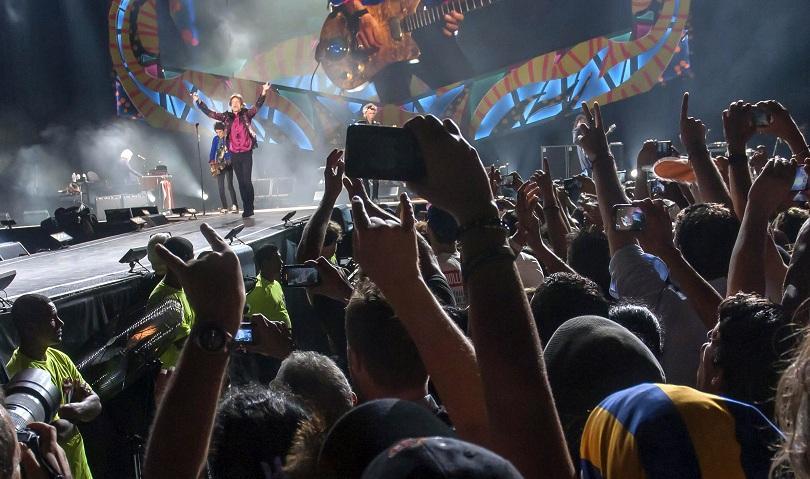 снимка 4 Роулинг Стоунс разтърсиха Хавана с безплатен концерт