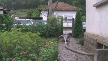 Мъж загина при токов удар, докато отводнявал мазето си в град Роман