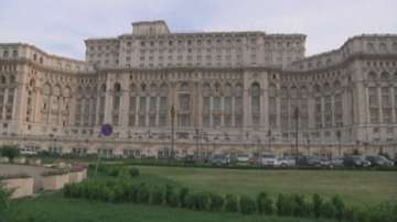 Оставката на главния прокурор е централна тема в румънския печат