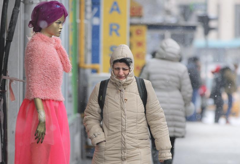 Затварят училищата в Букурещ в петък заради очаквани снегове и силен вятър