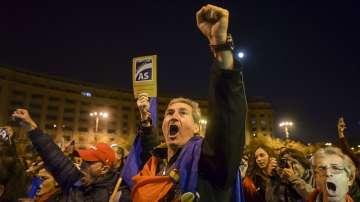 Символичен протест срещу данъчните реформи в Румъния
