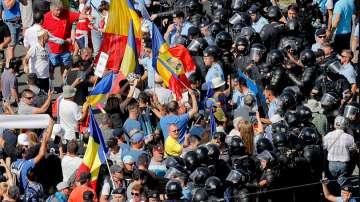 Със сблъсъци започна антиправителственият протест в Румъния