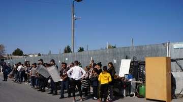 Бунт на роми при събарянето на незаконни къщи в Шекер махала в Пловдив