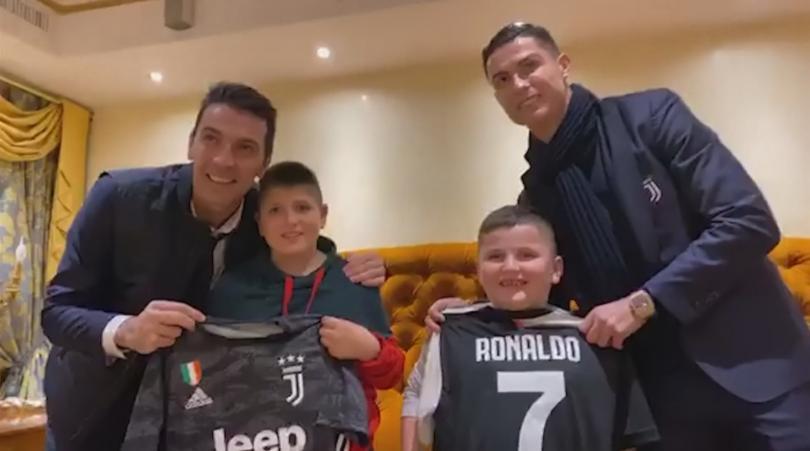 Футболните легенди Кристиано Роналдо и Джиджи Буфон сбъднаха мечтата на