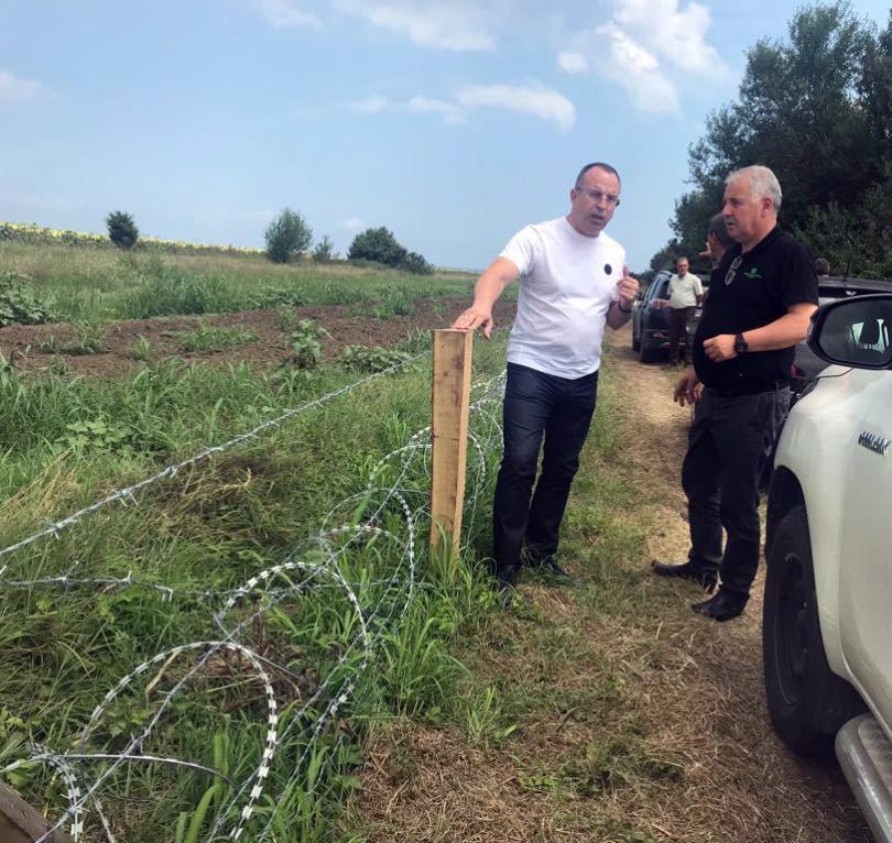 Министър Порожанов инспектира оградното съоръжение