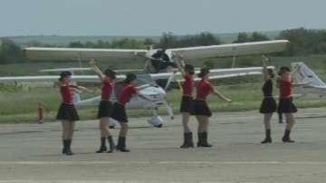 Авиошоу събира любители на въздушните спортове край  Русе