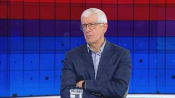 Румен Овчаров: Битката на Нинова със задкулисието в БСП е безкрайна