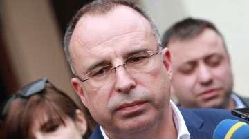 Разпитаха земеделския министър като свидетел по разследването срещу Миню Стайков