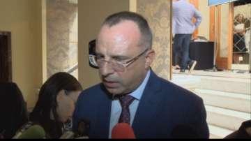 Министър Порожанов обяви, че се обмисля създаването на специален Закон за розата