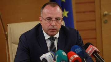 13 браншови организации настояват за оставката на земеделския министър Порожанов