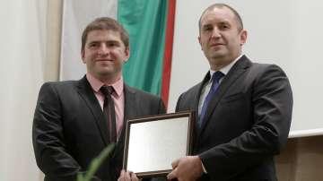 Президентът Радев награди млади български учени