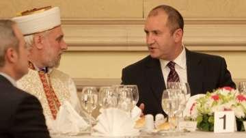 Президентът Радев беше домакин на тържествената вечеря ифтар