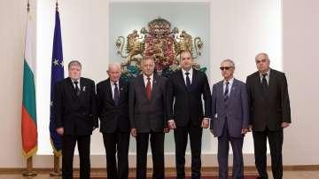 Президентът Радев се срещна с представители на военно-патриотични съюзи