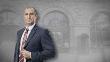 Радев ще гарантира сигурността на Цветан Василев, ако той се върне в...