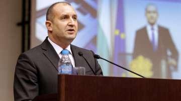 Президентът Румен Радев призова за по-малко оръжия и повече диалог