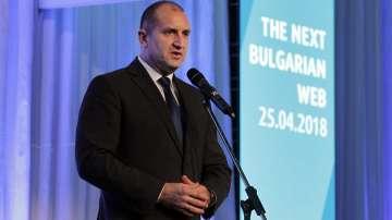 Румен Радев: Има политици, които водят война с българската държавност