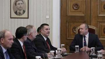 Румен Радев се срещна с делегация  от Конституционния съд на Македония
