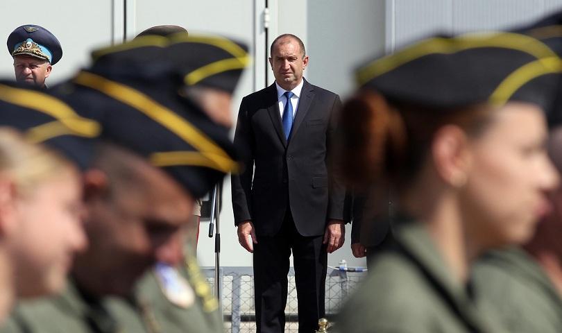 Президентът Радев ще участва в отбелязването на празника на авиацията и ВВС