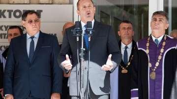 Президентът Радев коментира трите министерски оставки