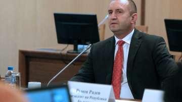 Румен Радев: Стотици хиляди българи живеят в бедност и социално изключване