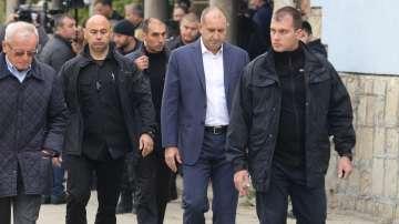 Румен Радев за думите на Макрон: Свободата на движение е право на българите