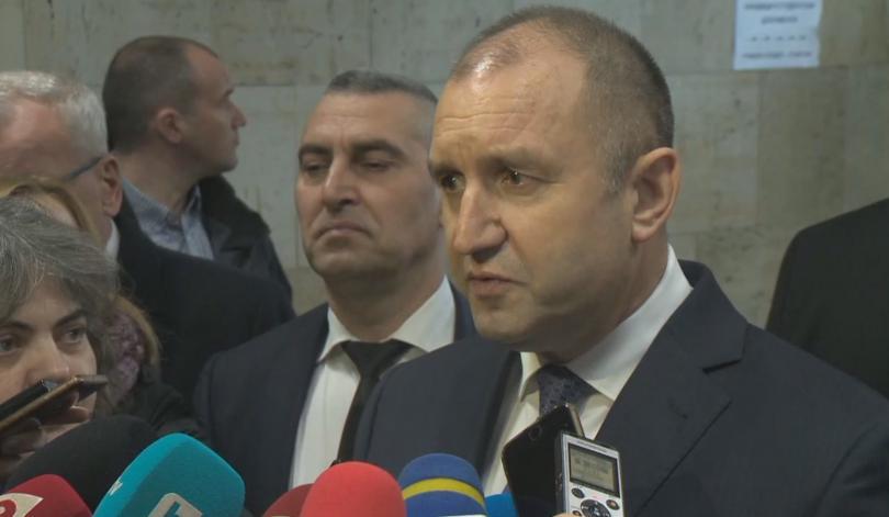 Машинното гласуване е действие в правилната посока, коментира, президентът Радев.