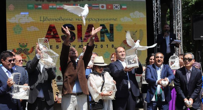 Румен Радев: Азиатските страни са естествен партньор на България (СНИМКИ)