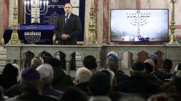 Румен Радев беше гост на запалването на свещите на Ханука