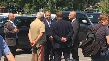 Президентът и военният министър посетиха оцелелия механик при инцидента с Ми-17