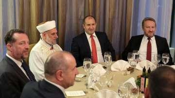 Радев на вечерята ифтар: В молитвите и действията си да търсим мира за света