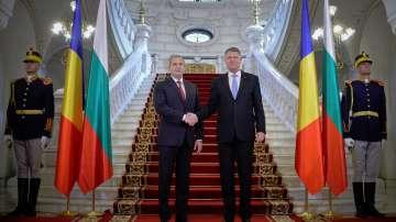 Радев и Йоханис разговаряха за НАТО, ЕС и сигурността в Черноморския регион