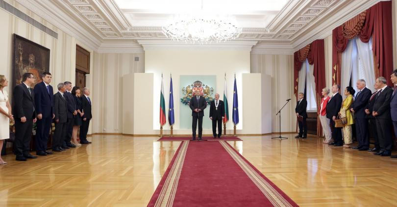 Президентът Румен Радев удостои на церемония в Гербовата зала на