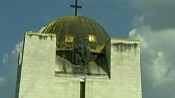 Пантеонът на възрожденците в Русе тъне във влага и мухъл