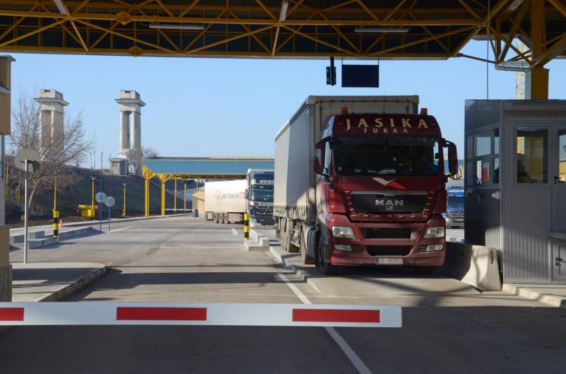 Бойко Борисов поиска бърза намеса от Румъния, за да спрат опашките на ГКПП-Русе