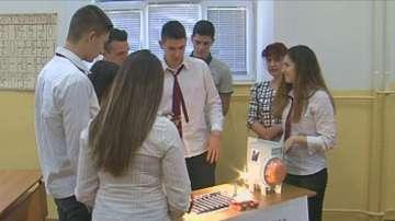 Русенски ученици изобретиха устройство за безопасно пресичане