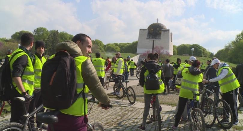 Десетки велосипедисти от Русе днес тръгнаха на 12-тия по ред