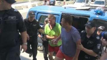 Пуснаха под домашен арест руснаците, които вилняха в хотелски комплекс