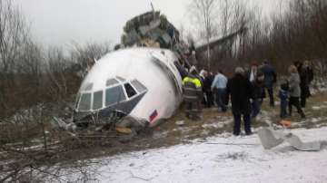 Намериха отломки и колесник на изчезналия руски самолет