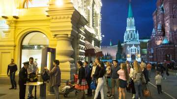 Вълна от фалшиви телефонни бомбени заплахи заля Русия