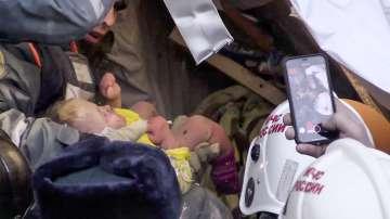 Бебе на 11 месеца бе извадено живо под развалините от срутената сграда в Русия