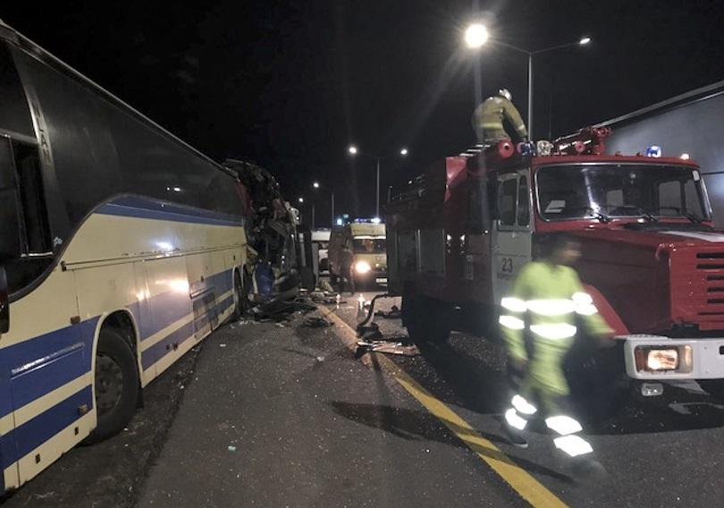 петима души загинаха ранени тежка автобусна катастрофа русия