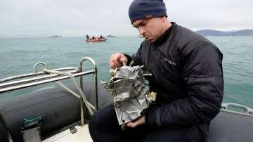 Открити са и трите черни кутии на катастрофиралия самолет в Черно море