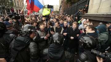 Протести и арести в Русия навръх рождения ден на Путин