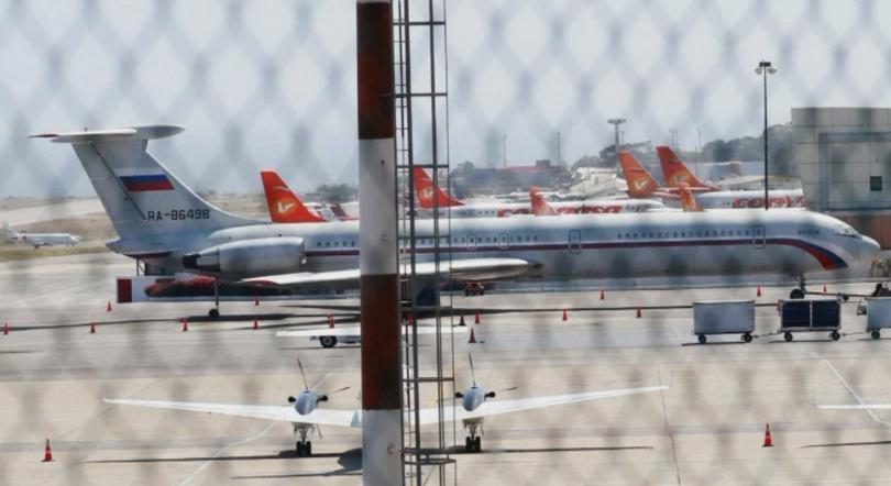 Два руски самолета са кацнали в Каракас с техника и