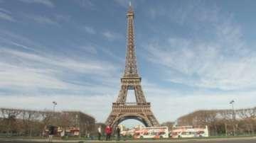Новата френска конституция вписва режима на извънредно положение