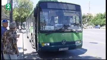 Поставят информационни табла на 100 спирки на градския транспорт във Варна
