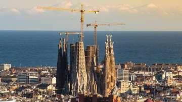 След 137 години Саграда Фамилия получи разрешение за строеж