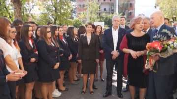 Сакскобургготски се срещна с ученици в Гоце Делчев