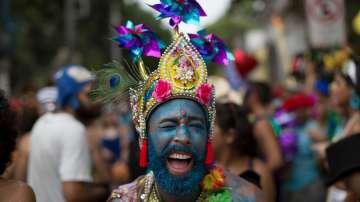 Хиляди танцьори и музиканти на карнавала в Рио